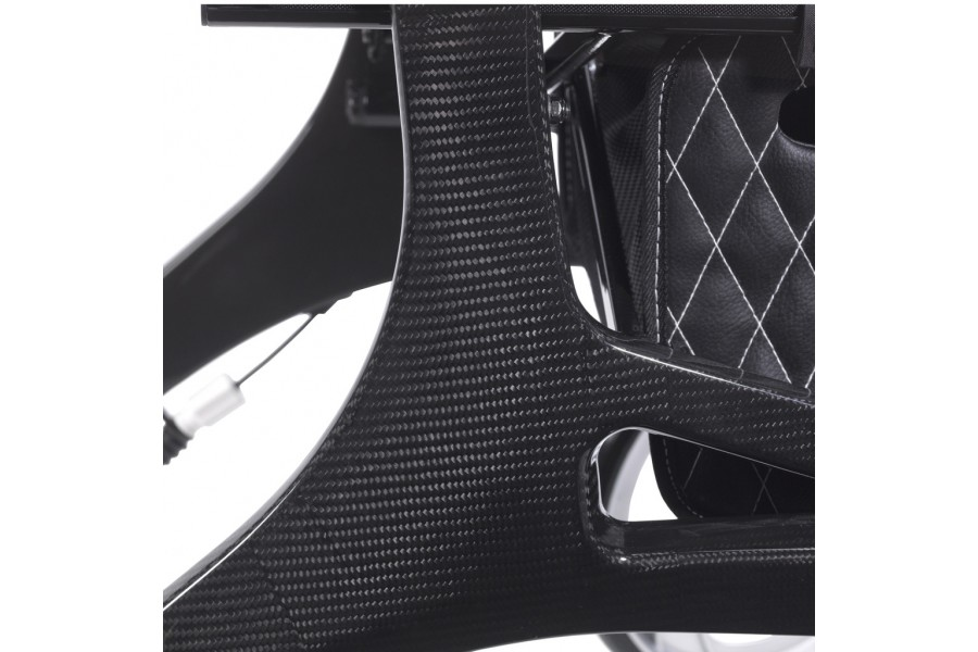 • Luxurious super lightweight carbon fiber frame • Frame weighs only 12 lbs for powerful performance..